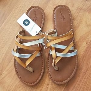 Universal Thread Tan Sandals sz 9